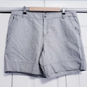 THE NORTH FACE Size 16 Pinstripe Shorts Cotton/Lin